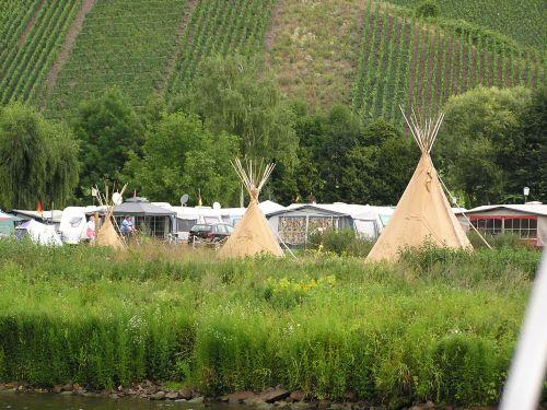 a1010676_camping.jpg